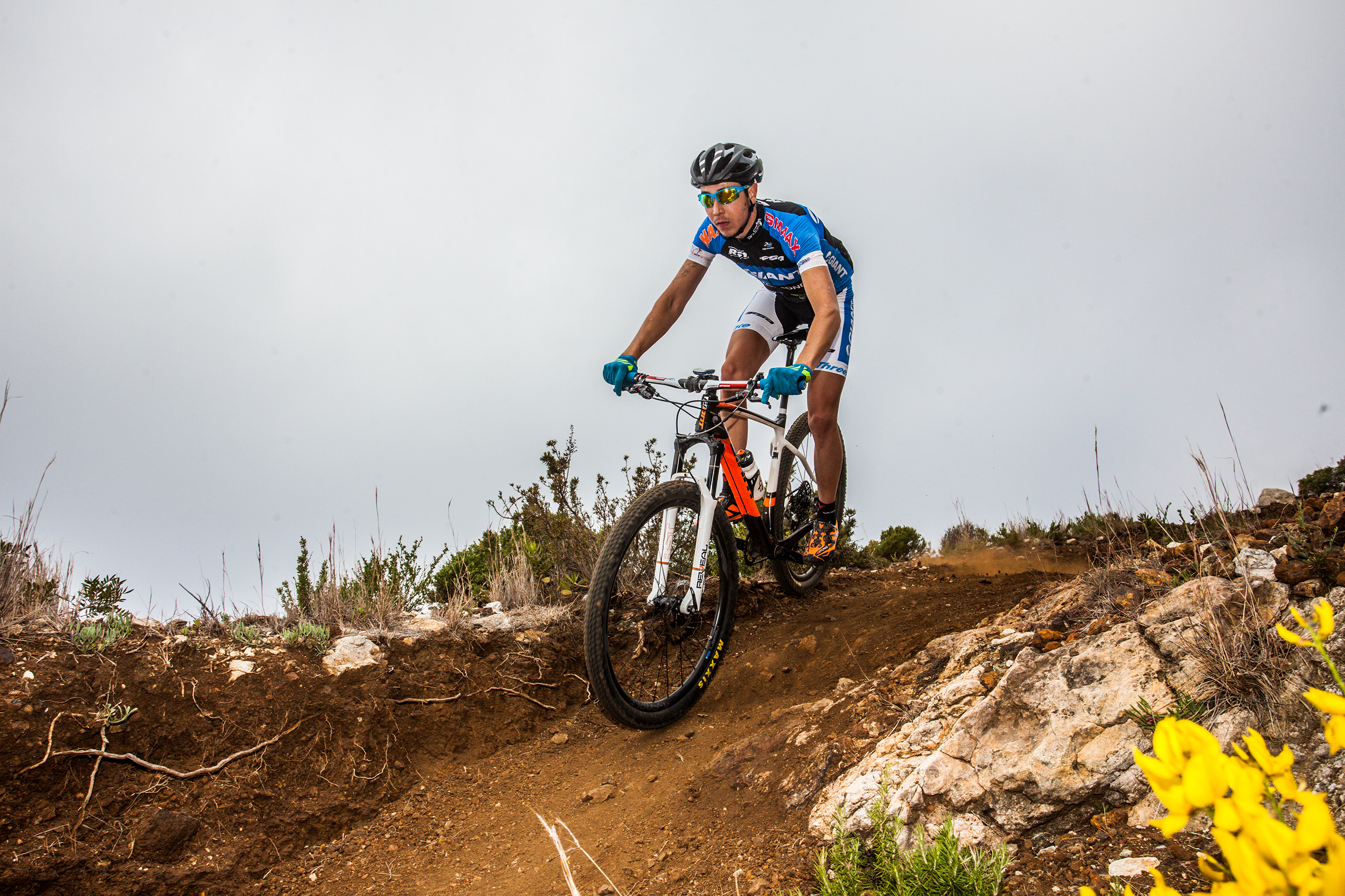 a46e5e126e5 8 TIPS FOR BUYING YOUR FIRST MOUNTAIN BIKE | Full Speed Ahead