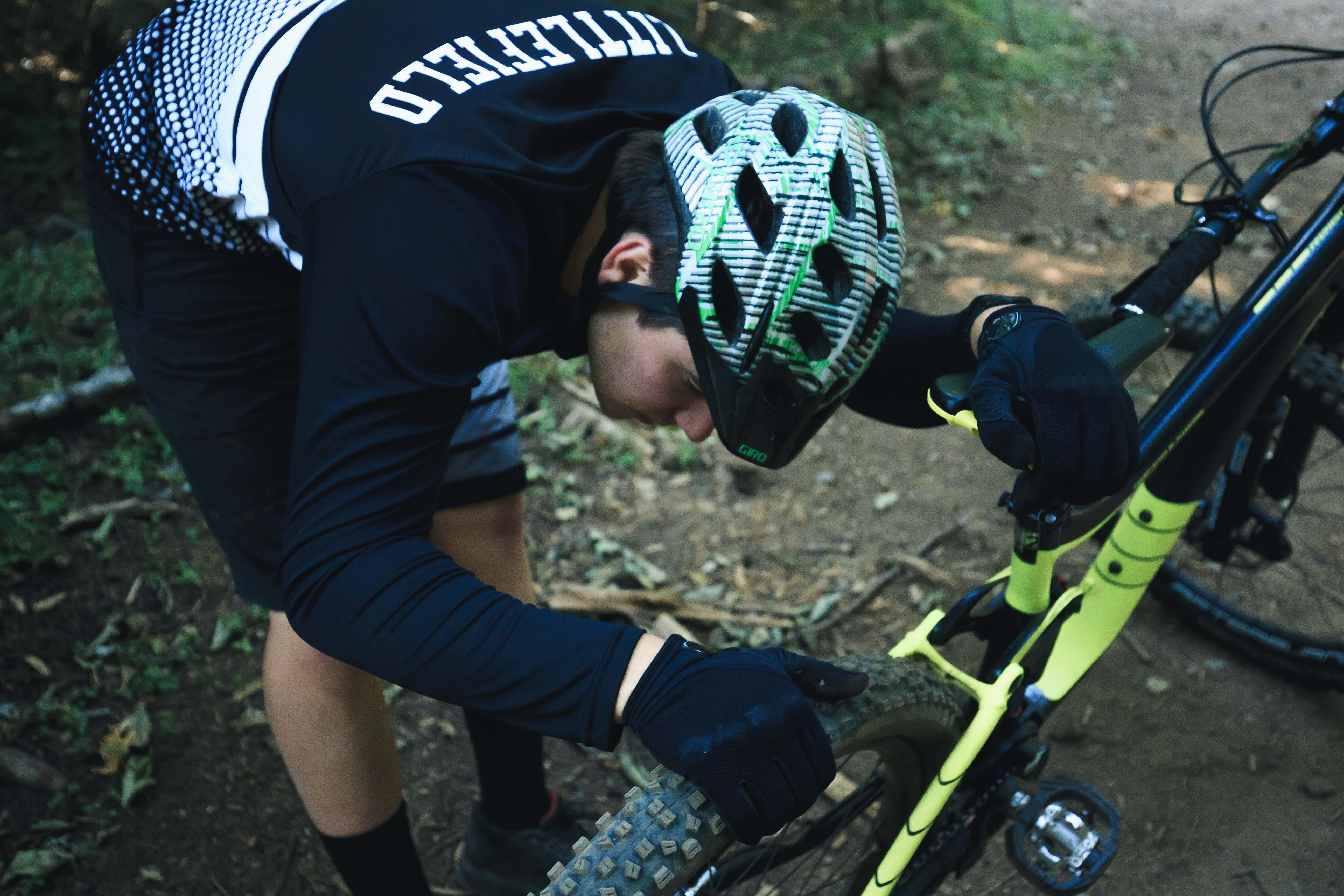Mtb Tire Pressure Everything You Need To Know Full Speed Ahead