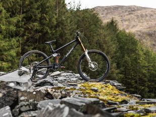 "Gee Atherton's ""The Slate Line Project"" Downhill Bike"