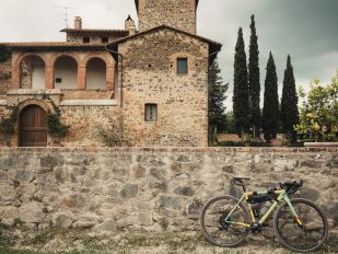 A DAY AT GIRO D'ITALIA WITH AGX COMPONENTS