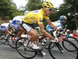 TOUR DE FRANCE STORY: THE YELLOW DREAM