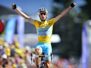 TOUR DE FRANCE STORY: THE LEGEND GOES AHEAD
