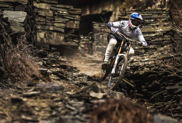 Gee Atherton in action (Credit Dan Griffiths)