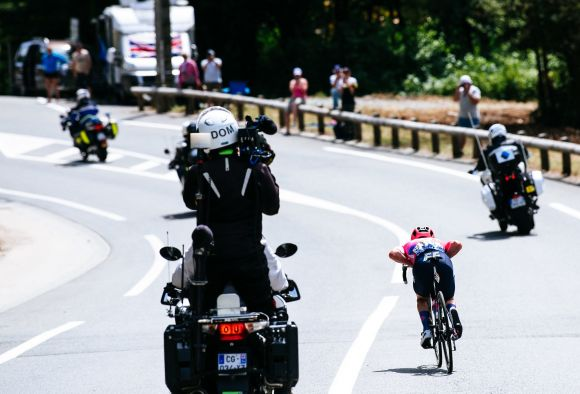 Simon Clarke in the breakaway (ph. Gruber)