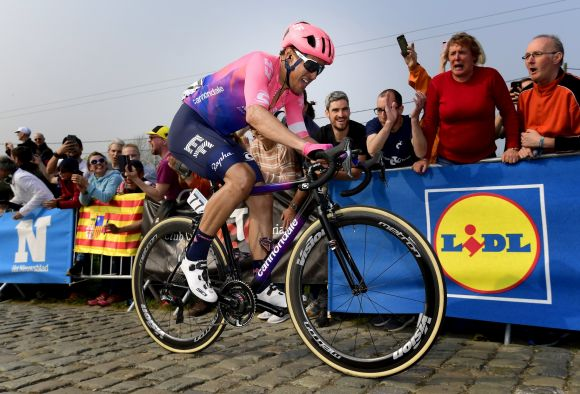Alberto Bettiol in action (ph. Bettini)