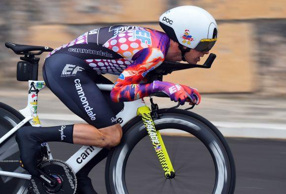 Simon Clarke in action at Giro d'Italia stage 1